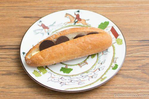 マチノパン ショコラサンド バター【ローソン】横から見た図