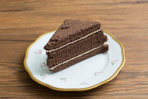 三角チョコサンド(ベルギーチョコ入りクリーム)【ヤマザキ】横から見た図