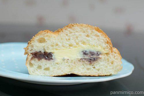 あんバターパン【ヤマザキ】断面図