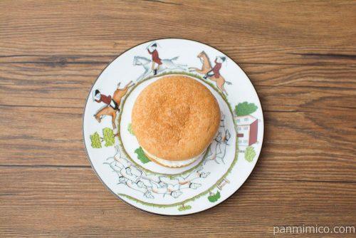 チーズケーキサンド【ファミリーマート】上から見た図