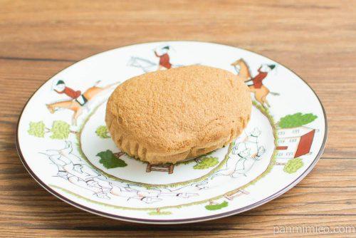 NL ブランのキャラメル蒸しケーキ2個入【ローソン】横から見た図