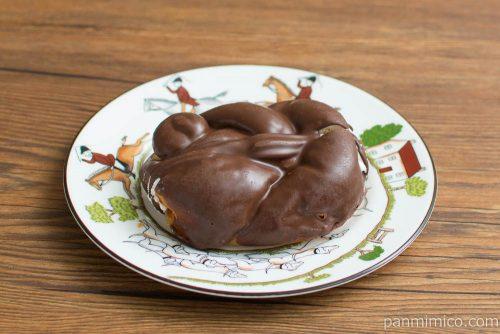 チョコホイップドーナツ【ローソン】横から見た図