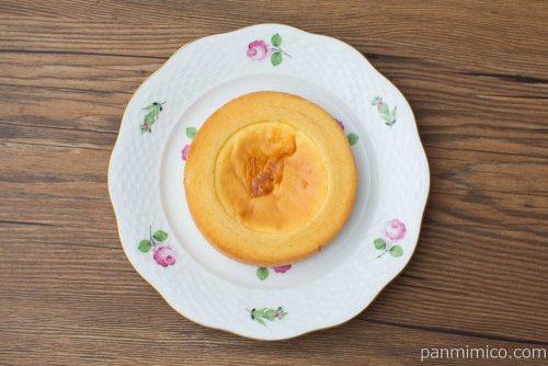 ベイクドチーズケーキのバウム【ファミリーマート】上から見た図