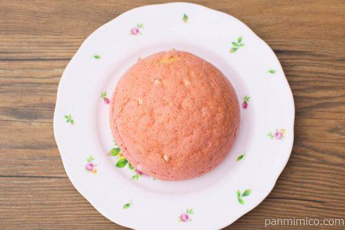 赤い苺のメロンパン【Pasco】上から見た図