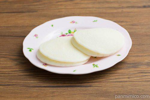 白い苺のパンケーキ【Pasco】横から見た図