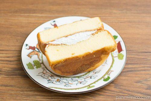 たっぷりたまごのケーキ【フジパン】横から見た図