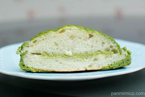 蔵出し抹茶メロンパン【第一パン】断面図