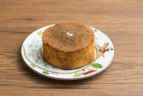 アールグレイシフォンケーキ(ミルクホイップクリーム)【ファミマ】横から見た図