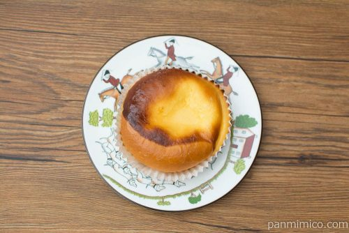バスクチーズケーキ風パン【ヤマザキ】上から見た図