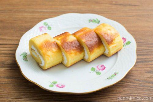 焼チーズケーキロール 4個入【ローソン】横から見た図
