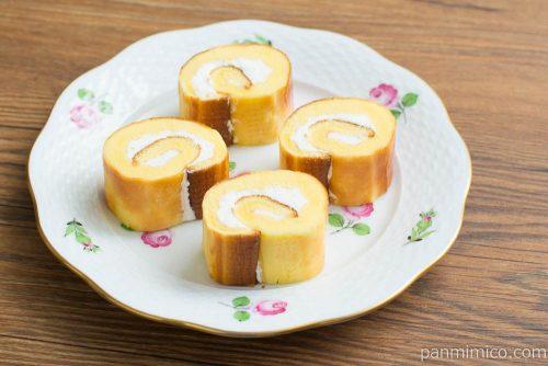 焼チーズケーキロール 4個入【ローソン】断面図