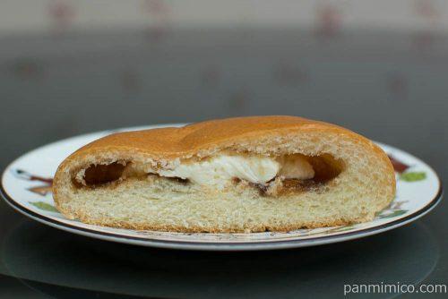 旅するsweets ベトナムコーヒー風クリームパン断面図