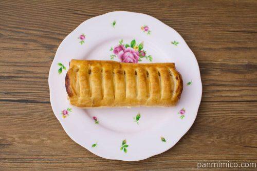 ケーキを包んだパイ(いちごカスタード)【神戸屋】上から見た図