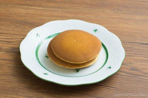 ホイップで食べるパンケーキ抹茶&粒あん【Pasco】横から見た図