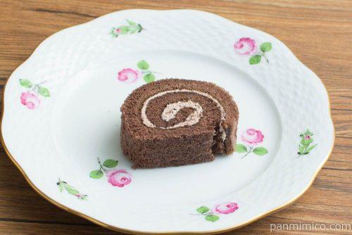 チョコロールケーキ(4)【ヤマザキ】横から見た図
