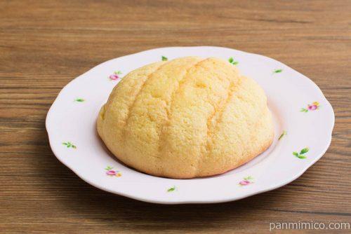 塩バターメロンパン【ヤマザキ】横から見た図