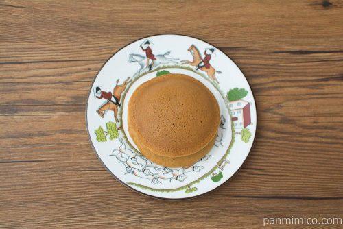 黒糖パンケーキ パインジャム&ホイップ【Pasco】上から見た図