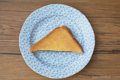 あんこが入った揚げ食パン【セブンイレブン】上から見た図