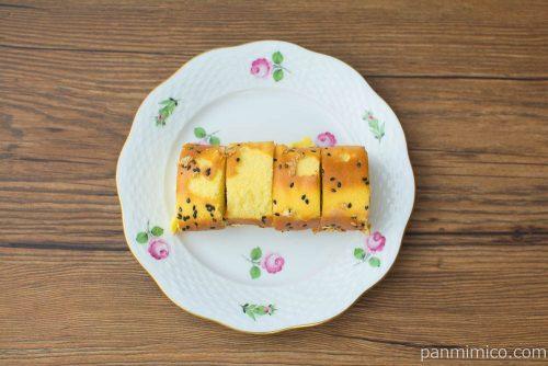 おいものロールケーキ【ローソン】上から見た図