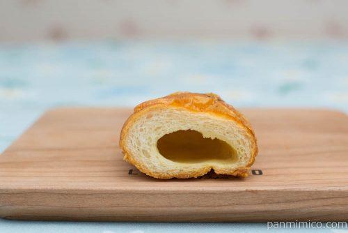 マチノパン 塩バターパン トリュフオリーブオイル【ローソン】断面図