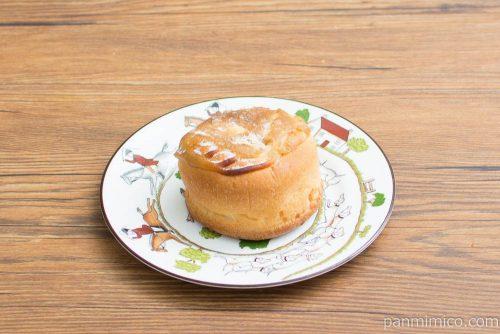 特撰イタリア栗のパン・オ・モンブラン【ヤマザキ】横から見た図