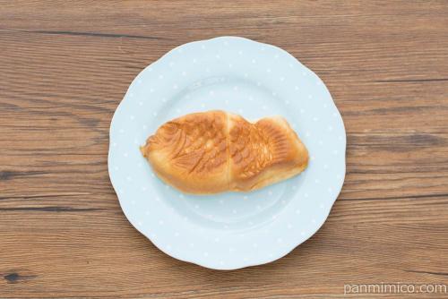 たい焼き風パン(クリーム)【ヤマザキ】上から見た図