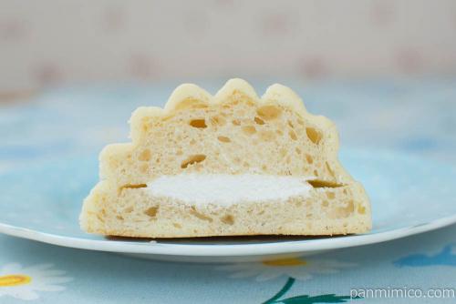 めろんパン ミルクホイップクリーム【Pasco】断面図