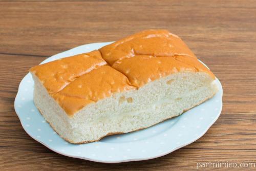 ふわふわ牛乳入りパン(はちみつバター)【ヤマザキ】横から見た図