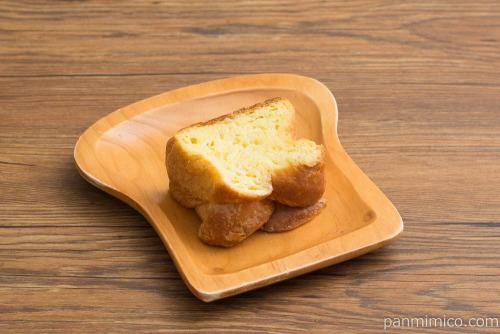 マチノパン しみしみバターのはちみつトースト【ローソン】横から見た図
