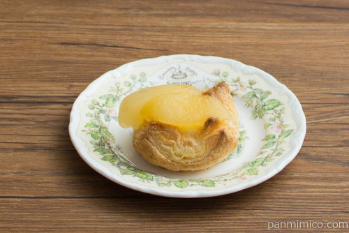 りんごのパイ【ヤマザキ】横から見た図