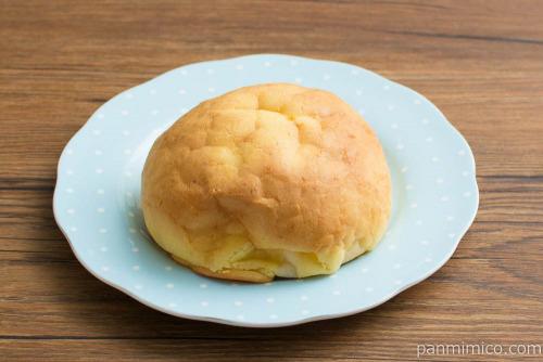 チーズホイップブール【ヤマザキ】横から見た図