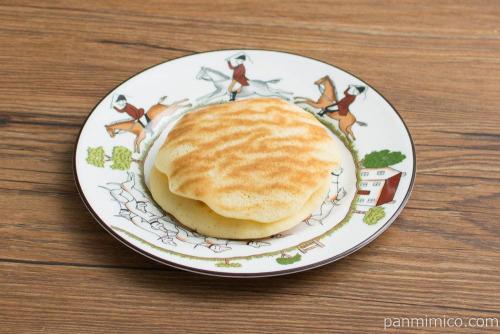 北海道産バター使用 バターとら焼き【シャトレーゼ】横から見た図