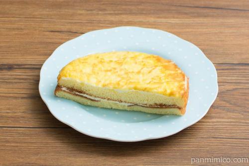 ヤマザキ クレープケーキ(プリンクリーム)【セブンイレブン】横から見た図