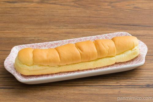 MILKカスタードのちぎりパン【ローソン】斜め
