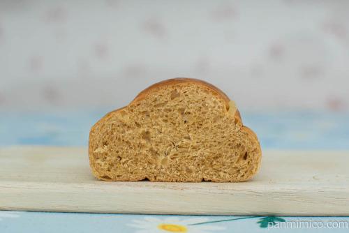 沖縄黒糖パインパン【Pasco】断面