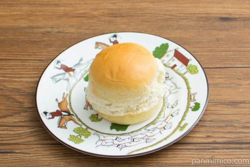 マリトッツォ(オレンジピール入り)【ヤマザキ】斜め