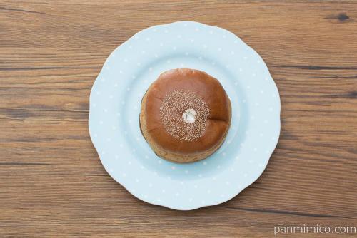 くるみ入り黒糖ケーキブレッド(塩ホイップ)【ヤマザキ】上