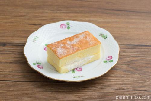 クリームと味わう台湾カステラ【ファミリーマート】斜め