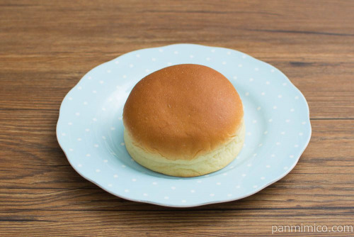 なめらかプリンクリームパン【第一パン】斜め