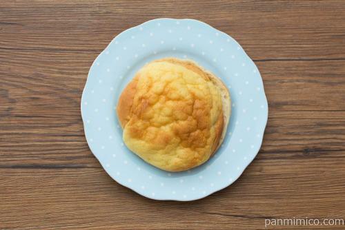 冷やしてもおいしいレアチーズシューブール【第一パン】上