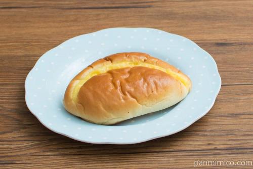 冷やしてもおいしいクリームパン【第一パン】斜め