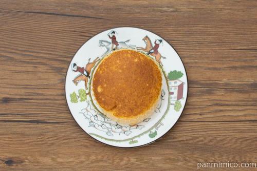 温めてとろける半熟カステラ風蒸しケーキ【第一パン】上